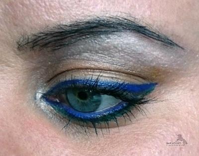 Auge_blauer_eyeliner